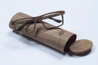 occhiali in legno